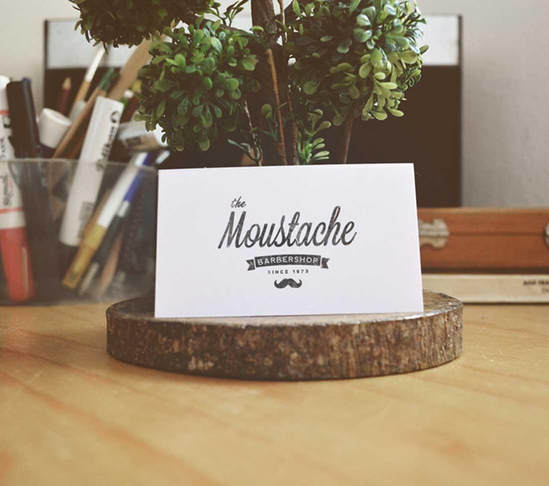 tarjeta.moustache